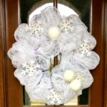 DIY Winter Mesh Wreath